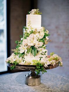 Beautifully Blurring The Lines Between Outdoors And In Fall Wedding Cakeswedding