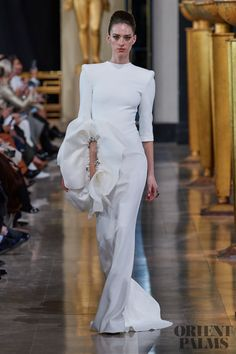 Stéphane Rolland at Couture Spring 2020 Origami Fashion, Spring Couture, Stephane Rolland, Fashion Details, Fashion Fashion, Jumpsuit Pattern, Pattern Fashion, Wearable Art, Catwalk