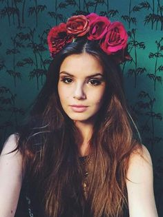 Maquiagem: Aprenda a fazer o olho esfumado de Camila Queiroz para baladas