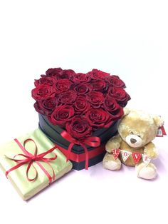 Valentines day flowers free delivery locally this valentine's Febuary - red roses, gifts, chocolates, helium balloons Cheap Flowers Online, Order Flowers Online, Funeral Gifts, Flower Box Gift, Wedding Flower Packages, Gift Bouquet, Flower Packaging, Valentines Flowers, Blooming Rose