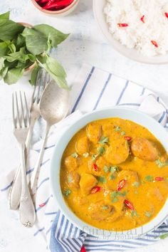 Thai Potato Pumpkin Curry with yellow curry paste Curry Recipes, Thai Recipes, Indian Food Recipes, Asian Recipes, Healthy Recipes, Healthy Foods, Potato Recipes, Thai Yellow Curry, Kitchens
