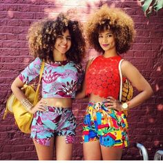 Cute curl friends! @frogirlginny @ownbyfemme  (at www.kurleebelle.com)