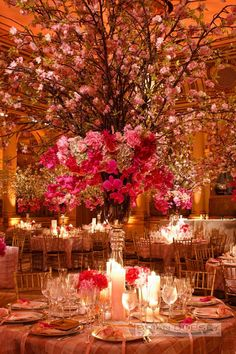 Red and pink table decor