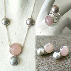 Pedido especial. Juego de collar, aretes y anillo en plata .925, cuarzos rosas y perlas grises.