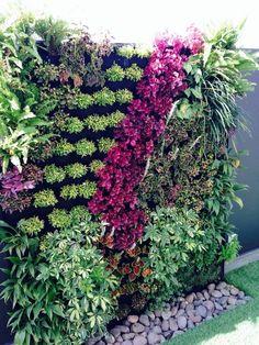 95 creative diy vertical garden you can apply on your backyard fron yard 51 Vertical Garden Plants, Small Balcony Garden, Vertical Garden Design, Back Gardens, Outdoor Gardens, Jardin Vertical Artificial, Vertikal Garden, Walled Garden, Garden Inspiration