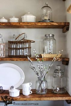 DIY Rustic Farmhouse Barn Wood Shelves !