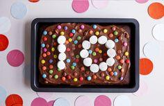 Glutenfri sjokoladekake Frame, Desserts, Home Decor, Picture Frame, Tailgate Desserts, Deserts, Decoration Home, Room Decor, Postres
