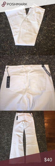 "Joe's wide leg white jeans size 29 Joes jeans ""jenny"" style.  Wide leg new with tags. Joe's Jeans Jeans Flare & Wide Leg"