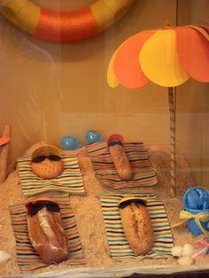 Un producto tan cotidiano como el pan, presentado con gracia y sencillez.