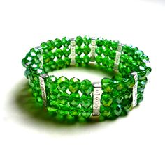 brazalete tre vueltas en todo muranos y separadores . diseño de color beads.