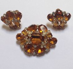 Genuine Vintage Coro Costume Jewelry Rhinestone Brooch
