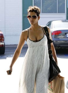Halle Berry Cleavage In Long White Dress-01