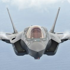 F-35B Lightning ll                                                                                                                                                                                 もっと見る