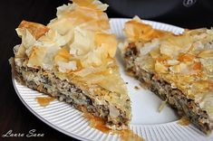 Spanakopita, Mai, Ethnic Recipes, Food, Green, Salads, Meal, Essen, Hoods