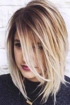 Frisuren 24 Edgy Bob Haircuts To Inspire Your Next Cut Edgy Bob Haircuts, Layered Haircuts, Straight Hairstyles, Hairstyles Haircuts, Haircuts For Medium Length Hair Layered, Medium Choppy Haircuts, Middle Hairstyles, Hairstyle Short, Casual Hairstyles