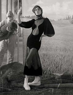 Publication: Vogue Italia June 2017 Model: Karlie Kloss Photographer: Ethan James Green Fashion Editor: Patti Wilson Hair: Shon Make Up: Kanako Takase