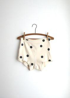 Britches in black and white polka dots. Looks Style, Style Me, Lolita, Kids Fashion, Womens Fashion, Babies Fashion, Lingerie, Fashion Moda, Net Fashion
