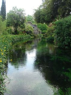 Il giardino di Ninfa by hbierau, via Flickr