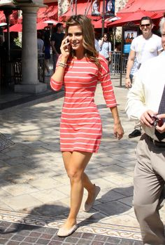 I love to wear comfortable clothes and look casual as Maria Menounos