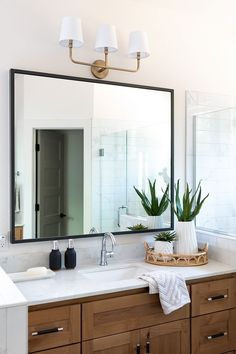 Bathroom countertop is marble-looking quartz. It looks really nice with the Maple cabinets bathroom countertop quartz woodcabinet. Bathroom Counter Decor, Bathroom Renos, Bathroom Renovations, Small Bathroom, Master Bathroom, Bathroom Staging, Bathroom Ideas, Bathroom Vanities, Countertop Decor