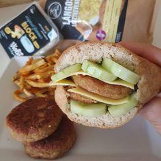 Cukkinis-édesburi fasírt 5db Salmon Burgers, Hamburger, Ethnic Recipes, Food, Essen, Burgers, Meals, Yemek, Eten