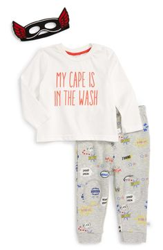 The little superhero will be ready to keep a vigilant eye on the home in this cool ensemble featuring a long-sleeve graphic T-shirt, coordinating heathered pants and a winged eye mask.