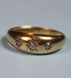 Antique 18K Ring Yellow Gold Three Diamonds Gypsy by PastSplendors.