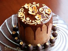 Moist and rich chocolate cake with chocolate ganache buttercream and topped with chocolate ganache. I made this for 14 yr old Saraah . Her mom phoned to thank me for the delicious cake. Sweet of her... Explore no.2, thank you all.  Chocolate Ganache  cake