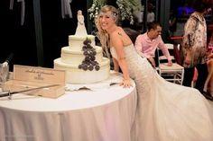 Πιερία: Κανείς δεν θα μένει πλέον στο ράφι - Τέρμα τα γερο... Mermaid Wedding, Wedding Dresses, Fashion, Bride Dresses, Moda, Bridal Gowns, Fashion Styles, Weeding Dresses, Wedding Dressses