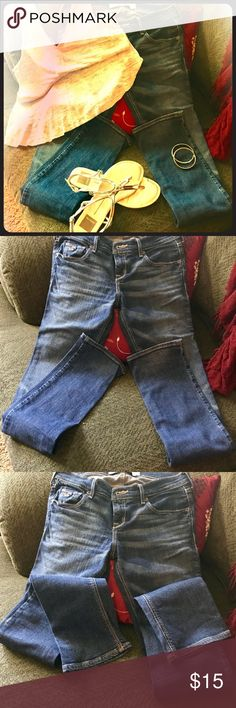 "Hollister skinny jeans. These are fantastic jeans in great shape! They were worn only a few times though, because I like a much lighter wash. Size 1s. Length 31"". Hollister Pants Skinny"