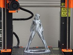 Romant.t print of a lady with Rapunzel PLA from Fillamentum