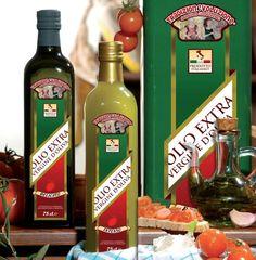 OLIO TIPICO PUGLIESE DI PRODUZIONE ARTIGIANALE ottenuto dalla spremitura di olive solamente mediante procedimenti meccanici. Due varietà, intenso e delicato, disponibile nel nostro shop. http://shop.ammfruit.com #ammfruit #olio #intenso #delicato #artigianale