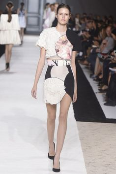 Giambattista Valli RTW Spring 2015 - Slideshow