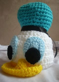 Donald Duck crochet hat