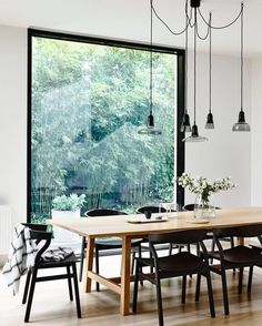 Gorgeous @derek_swalwell Styling @HeatherNetteKing for /houseandgarden/ #interiors #spaces #dining by thelittleinterior