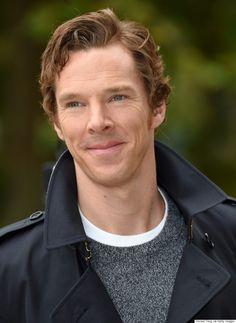Benedict Cumberbatch Looks Devastatingly Handsome At Burberrys Spring/Summer 2016 Show