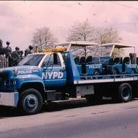 Old Police Cars, Police Truck, Tow Truck, Police Vehicles, Emergency Vehicles, New York Police, Car Badges, Commercial Vehicle, Law Enforcement