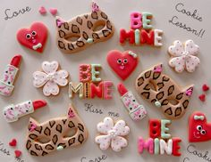 sugar cookies for valentine's day via #TheCookieCutterCompany