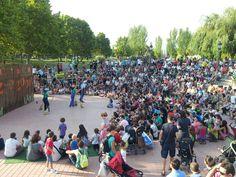 #SQVdeFesta El Parc de les Morisques de #SQV ple, gaudint d'un espectacle familiar