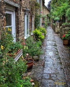 A private lane in Burford, Cotswolds, UK