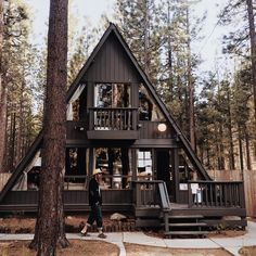 Flitterwochen – A-Frame cabin – Decoration Tiny House Cabin, Tiny House Design, Cabin Homes, A Frame House Plans, A Frame Cabin, Architecture Design, Triangle House, Forest House, Cabins And Cottages