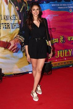 Aditi Rao Hydari fashionably casual in Topshop.  Thx Vogue.in