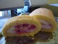 Roláda, která se vždy povede Vanilla Cake, Muffin, Breakfast, Recipes, Food, Vegane Rezepte, Simple, Morning Coffee, Eten