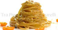 Vermicelli con crema di datterini gialli, alici e croccante di pane al prezzemolo e aglio
