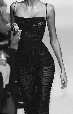 personal celebration and personal celebration planning Vicky Gu. Look Fashion, 90s Fashion, Runway Fashion, High Fashion, Fashion Beauty, Fashion Show, Fashion Outfits, Womens Fashion, Young Fashion