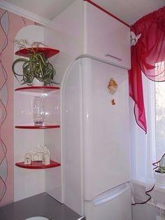 Идея использования пространства над холодильником