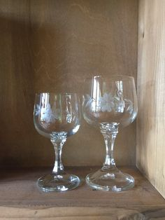 Etched Crystal Glass Pair Of Wine Crystal Glasses Vintage Water Goblets Drinking Vtg Glasses Fine Dining Glass Digestive Aperitif Glass