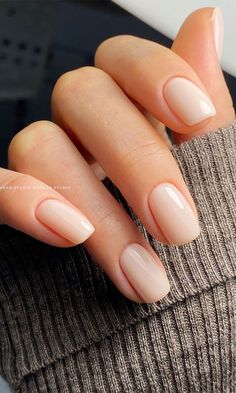 26. Nature nail look If you are a big fan of nude nails and want to try a different nude nail look that look... Cute Nails, Pretty Nails, Nagellack Design, Classic Nails, Bride Nails, Best Acrylic Nails, Acrylic Toes, Neutral Nails, Minimalist Nails