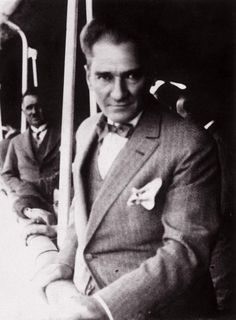 Atatürk'ün Giyimiyle Mankenlere Taş Çıkartan 9 Fotoğrafı | MustafaKemâlim