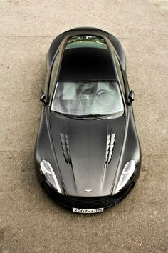 Magnifique Aston Martin Vantage ! Découvrez de nombreux accessoires sur notre…